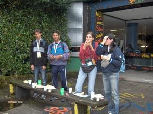 16/08/2005: colazione spartana fuori dalla scuola che fungeva da dormitorio per la maggior parte dei nostri amici. Io e pochi altri fortunati eravano ospiti di famiglie a Leverkusen!
