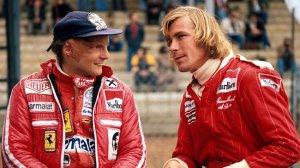 Niki Lauda e James Hunt nella vita reale, fotografati cronologicamente dopo l'incidente del 1° agosto 1976 (immagine, dalla rete).